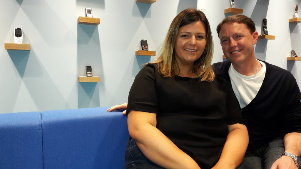Jessica Tompkinson and Alan Parker, trainers at Discovery with 3 - free mobile phone know-how at Angel. (c) Islington Faces